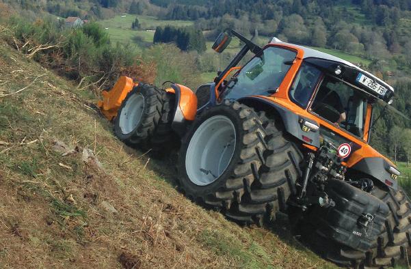 lintrac with noremat tracteur pour l 39 entretien des accotements routiers. Black Bedroom Furniture Sets. Home Design Ideas